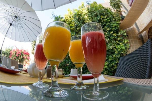Gozo B&B dar ta Zeppi  , smoothies and fresh fruitjuice