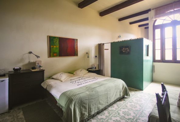 Dar Ta' Zeppi BnB The Green Valley Premium Room Ensuite Bed and Bathroom