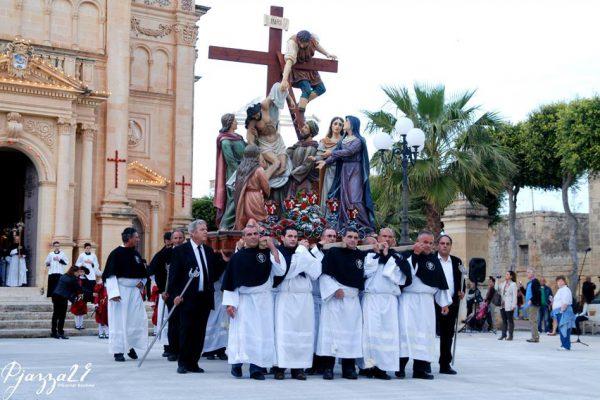 Gozo B&B dar ta Zeppi  , Qala Easter procession