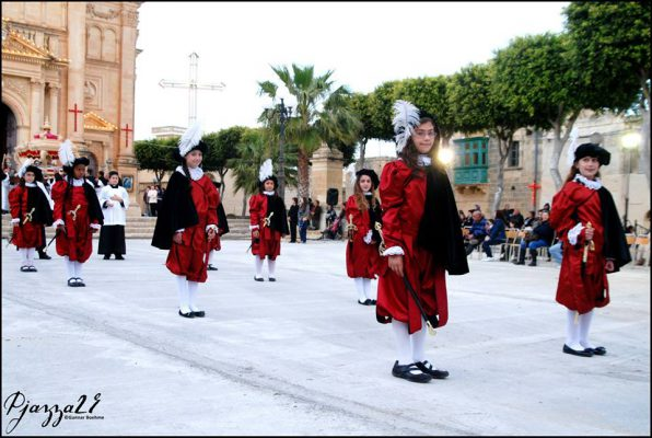 Gozo Easter procession in Qala , B&B dar ta Zeppi