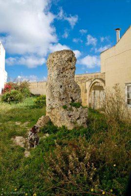 Qala Gozo Menhir stone B&B dar ta Zeppi